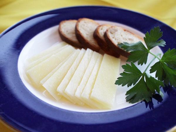 ペコリーノロマーノ ひつじのミルクのチーズ