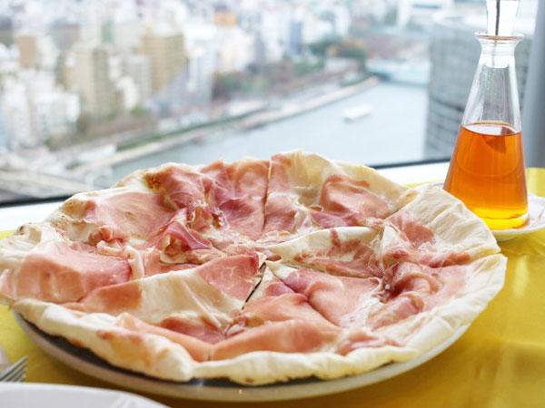ラ・ラナリータ吾妻橋店の名物ドーム型のピッツァ