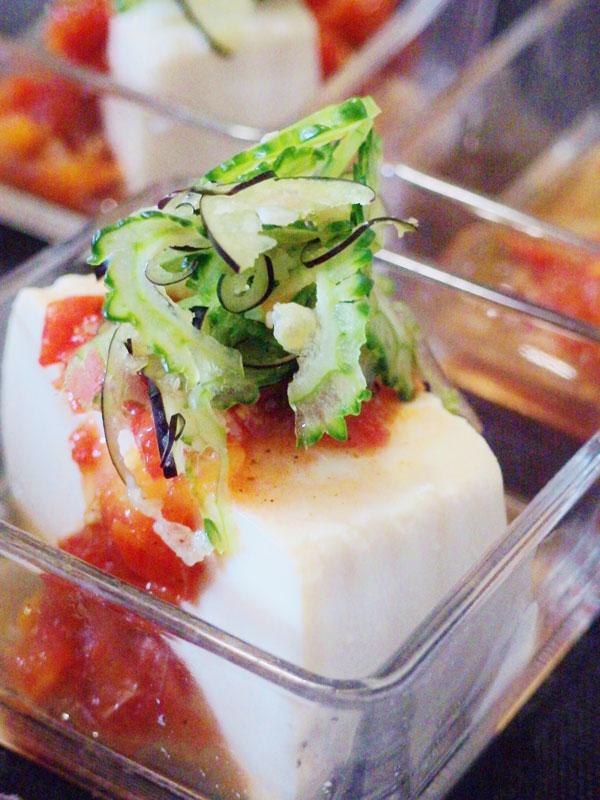 サルサソースがけ豆腐サラダ