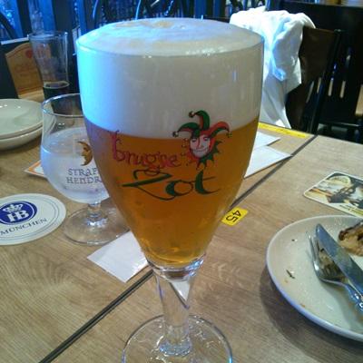 世界のビール博物館で頼んだビール「ベルギー ブルックス・ゾットブロンド」