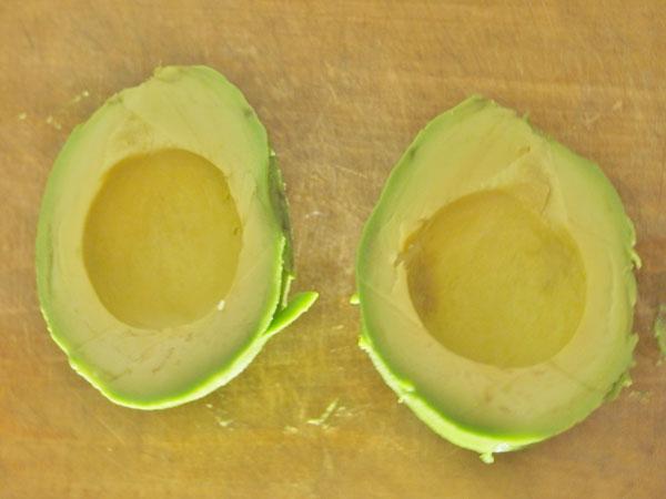 「卵かけアボカドサラダ」作り方