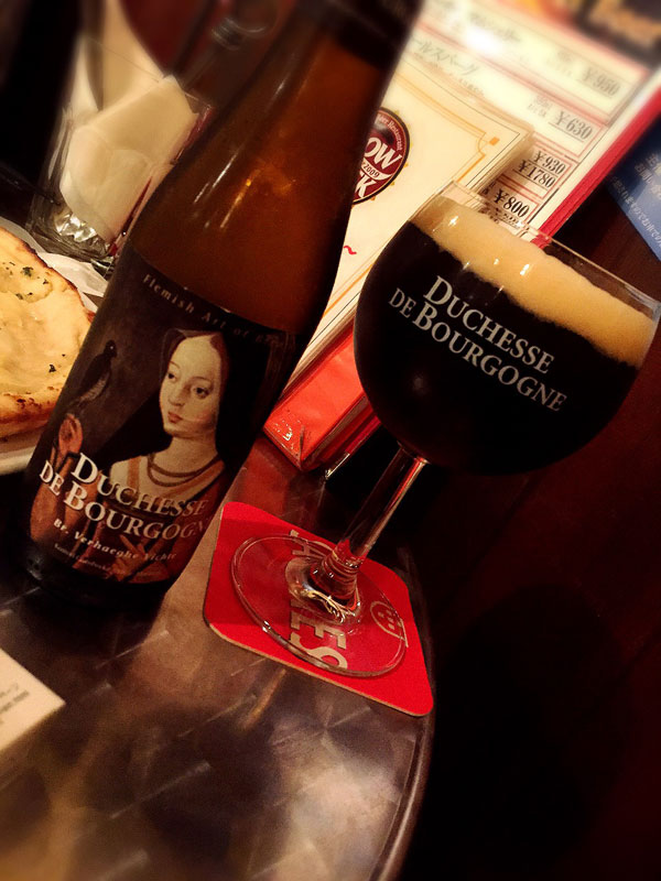 3杯目のビールは「ドゥシャス デ ブルゴーニュ」
